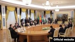 Первая консультативная встреча глав государств ЦА прошла в марте 2018 года в столице Казахстана.
