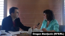 Meri Kaldor tokom razgovora sa Draganom Štavljaninom