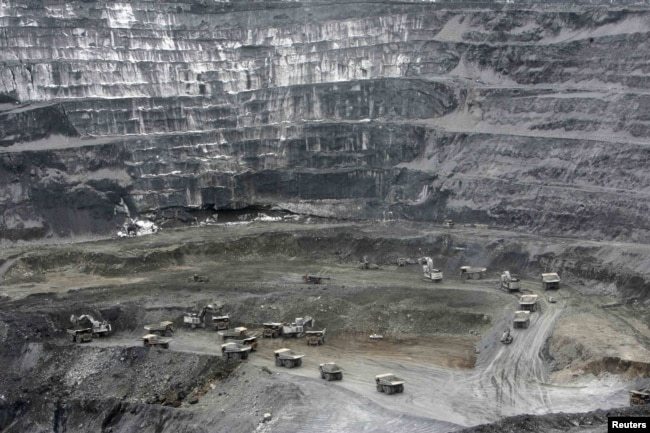 Центральный карьер рудника Кумтор. Архивное фото.