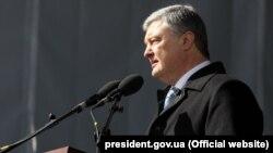 Прогрес буде і в питанні Донбасу, додав президент