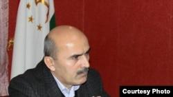 Қосими Бекмуҳаммад, таҳлилгари тоҷик