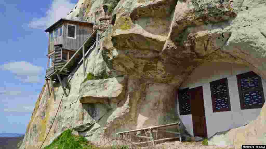 Свято-Благовіщенський печерний чоловічий монастир