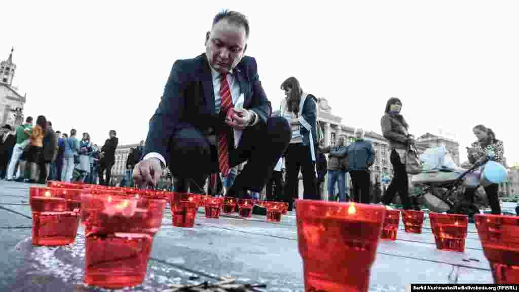 Ескендер Барієв, український кримськотатарський політик під час акції