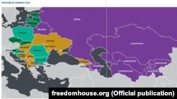 """Държавите, които според """"Фрийдъм хаус"""" продължават прехода си към демокрация (в лилаво са оцветени авторитарните, в жълто са хибридните режими, в светло зелено са полуустановените демокрации, а в тъмно зелено са успешно демократизиращите се)"""