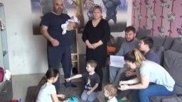 Семья Левко два месяца живет по знакомым