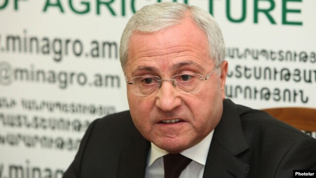 Armenia - Agriculture Minister Sergo Karapetian gives a press conference in Yerevan, 26Dec2012.