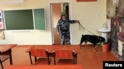 Специалистам пришлось проверять школы Черкесска