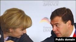 Канцлер ФРГ Ангела Меркель и президент России Дмитрий Медведев