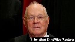 آنتونی کندی قاضی دیوان عالی آمریکا اعلام بازنشستگی کرد