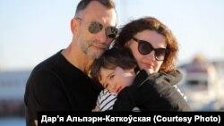 Псыхоляг Дар'я Альпэрн-Каткоўская зь сям'ёй