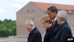 Ангела Меркель, Барак Обама и Эли Визель в Бухенвальде