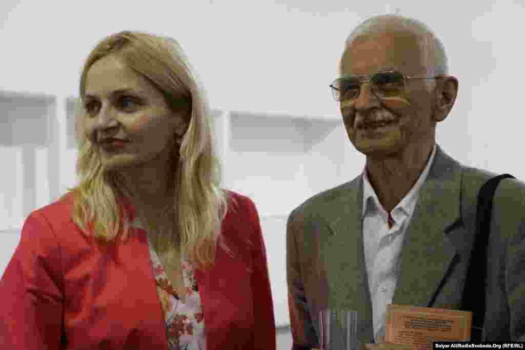 Мар'яна Драч та колишній політв'язень, публіцистЄвгенСверстюк