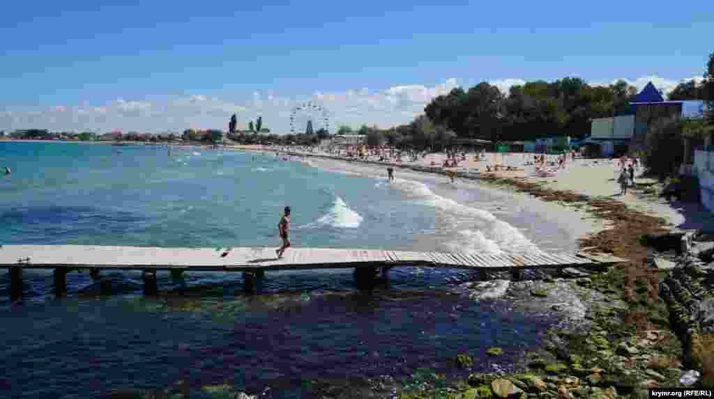 Найбільший населений пункт західного узбережжя Криму – селище Чорноморське