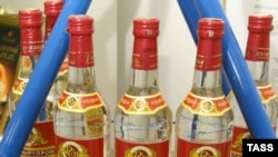 Выпивка и курение отныне будут обходиться россиянам дороже