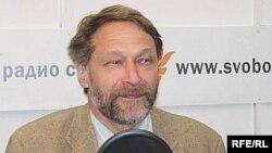 Политолог Дмитрий Орешкин считает, что информация об упразднении президентства может быть своеобразным способом изучения общественного мнения