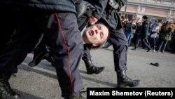 Задержание на акции протеста в Москве, архивное фото