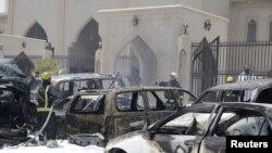 Експлозијата на автомобил бомба пред шиитската џамија во Саудиска Арабија.