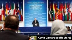 Майк Помпео выступает перед представителями коалиции, Вашингтон, 6 февраля 2019 года