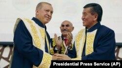 Президенты Турции и Кыргызстана.