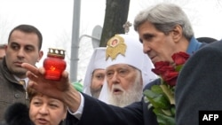 Secretarul de stat american John Kerry la Kiev cu Patriarhul Filaret