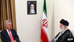 رهبر ایران در دیدار با هاینتس فیشر، اتریش را از کشورهای دنبالهرو آمریکا مستثنی کرد.