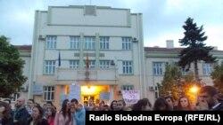 Протест за оставка на битолскиот градоначалник Владимир Талески