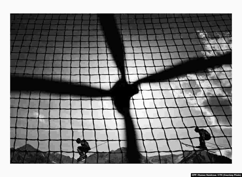 Спорт номинациясендә беренче урын: Сочи Олимпия уеннарында чаңгыда ярышучылар. (CTK/Роман Вондроуш)