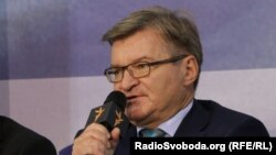 Немиря повідомив: народні депутати звертались до прем'єр-міністра України Володимира Гройсмана «з вимогою надати інформацію щодо стану виконання закону»