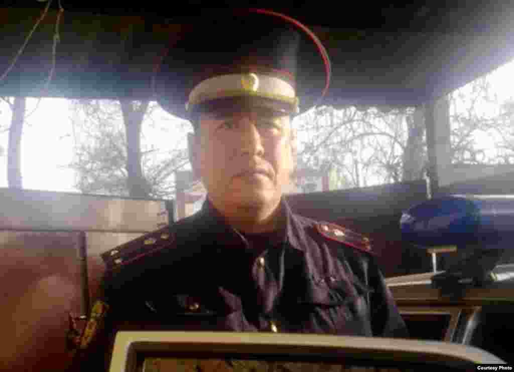 14-февраль: шейшемби: Бишкек шаардык жол коопсуздугу башкармалыгынын кызматкери Айбек Эшбаев УКМК абагында өлгөнү ачыкка чыкты.УКМК аны моюн орогучкаөзүн-өзү асып өлгөн деген кабар таратты.