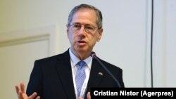 Mark Gitenstein a fost ambasadorul Statelor Unite la București în perioada 2009-2012