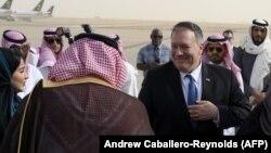 مایک پامپیو وزیرخارجۀ امریکا در ملاقات دیروزشبا شاه سلمان پادشاه عربستان سعودی