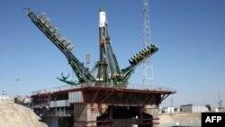 """Грузовой космический корабль """"Прогресс М-28М"""" на стартовой площадке"""