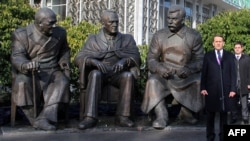 Спикер Госдумы России Сергей Нарышкин на церемонии открытия памятника Сталину, Рузвельту и Черчиллю. Ялта, 5 февраля 2015 года.