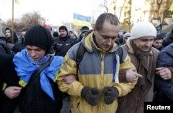 Etirazçılar Kiyevin Müstəqillik meydanında, 3 dekabr 2013