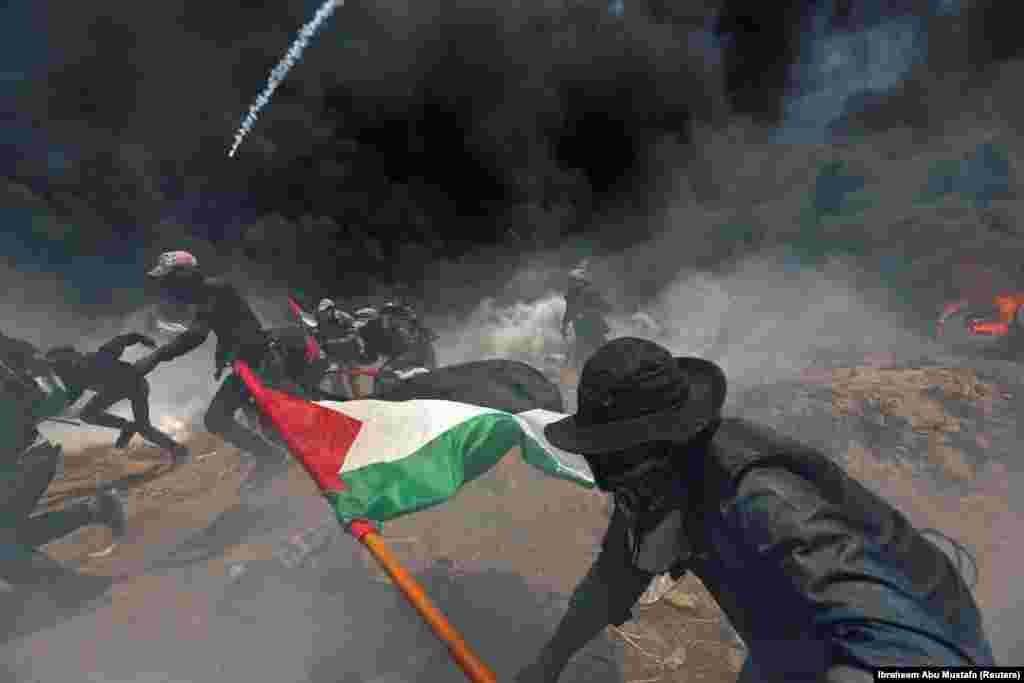 Палестина денсаулық сақтау министрлігінің хабарлауынша, наразылық шарасында 2700 палестиналықтың жарақат алған.