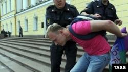 Разгон одного из гей-прайдов в Петербурге