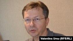 Veaceslav Negruța în studioul Europei Libere