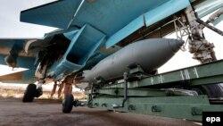 Русиянең Сүриядәге Латакия хәрби ныгытмасында SU-34 очкычы