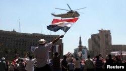 مخالفان محمد مرسی، رئیس جمهور برکنار شده مصر، در میدان تحریر قاهره تجمع کردهاند