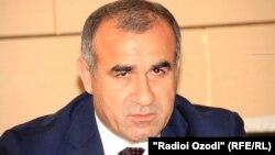 Юсуф Рагмон повідомляє на прес-конференції про наслідки заколоту, Душанбе, 4 серпня 2016 року