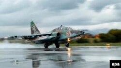 Su-25 (Foto arxivdəndir)