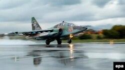 Сириядағы Ресейдің Су-25 әскери ұшағы (Көрнекі сурет).