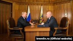 Встреча президента России Владимира Путина и исполняющего обязанности главы Севастополя Михаила Развожаева