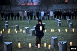 Мемориальная церемония на еврейском кладбище в Терезине, где располагался крупнейший нацистский концлагерь на территории Чехии