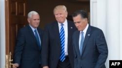 Митт Ромни (справа) после встречи с избранным президентом США Дональдом Трампом и избранным вице-президентом Майком Пенсом (слева). Нью-Джерси, 19 ноября 2016 года.