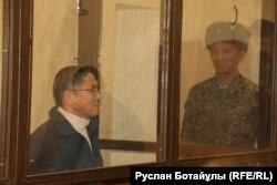 Central Asia Monitor газетінің бас редакторы әрі Radiotochka.kz порталының шығарушысы Бигелді Ғабдуллин сотта отыр. Астана, 24 қаңтар 2017 жыл.