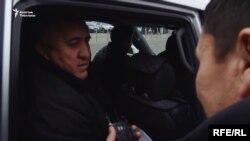 """Фрагмент из расследования """"Азаттыка"""" о теневом бизнесе в Оше. На кадре - известный предприниматель Жалил Атамбаев."""