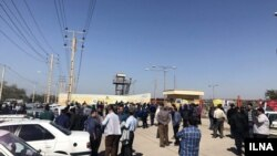 Ahvaz - 3500 worker of a steel factory went on strike for unpaid wages in January 2013.