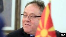 Известувачот во ЕП Ричард Ховит на седница на собранискиот Национален совет за евроинтеграции
