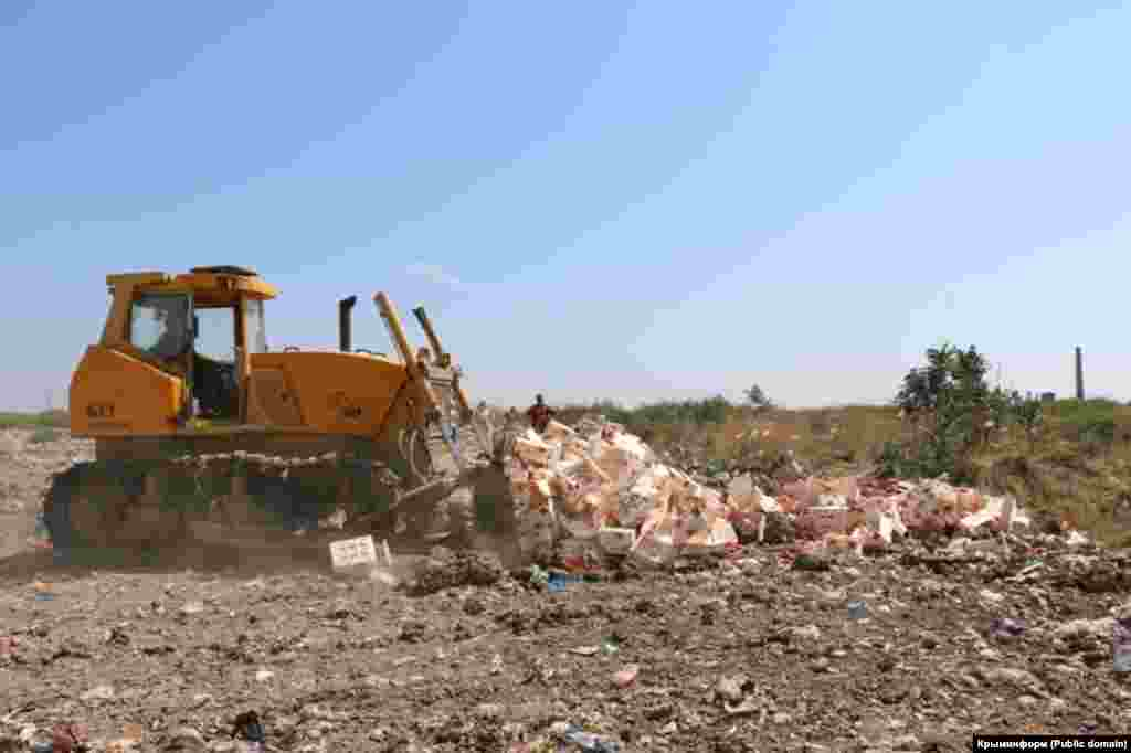 За перші два дні знищили 312 тонн рослинної і 36 тонн тваринницької продукції